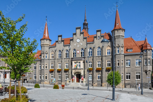 Crédence de cuisine en verre imprimé Con. Antique Wałbrzych town hall, neo-gothic city council, Lower Silesia, Poland