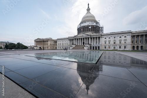Cuadros en Lienzo The Capitol Building, Washington DC undergoing repairs circa 2016