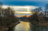 Wieczorne niebo nad rzeką