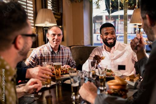 Fototapeta Friends Enjoying Food obraz na płótnie