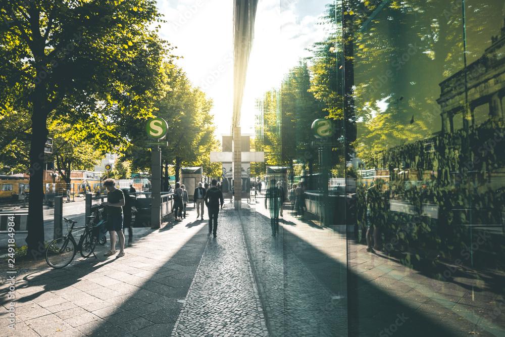 Fototapety, obrazy: Green Urban Scene - Berlin