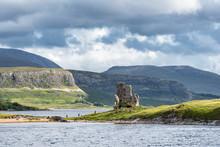 United Kingdom, Scotland, Scottish Highland, Sutherland, Ardvreck Castle And Loch Assynt