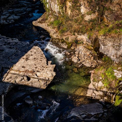 Szczawnica- Krajobraz górskiej rzeki - fototapety na wymiar
