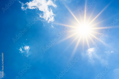 Summer background, wonderful blue sky with bright sun Fototapet
