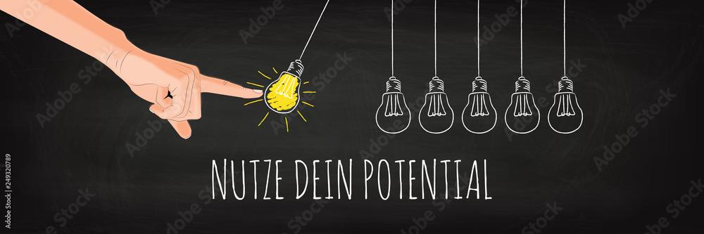 Fototapeta Nutze dein Potential - Glühbirnen Pendel Konzept