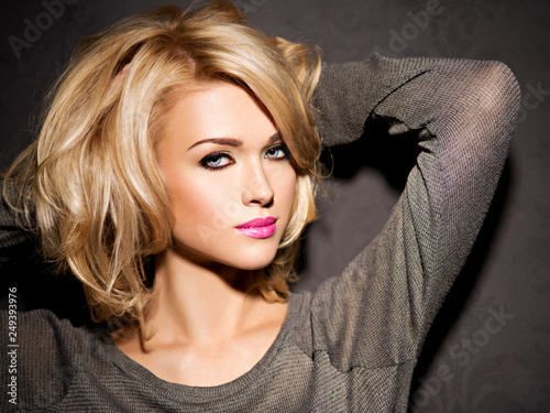 Foto Portrait of  beautiful woman with blond hair