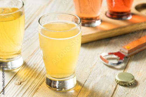 Canvas-taulu Refreshing Hard Cider Flight