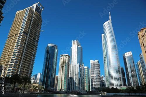 Photo Almas tower and Jumeirah Lakes Towers, Dubai Multi Commodities Centre, UAE