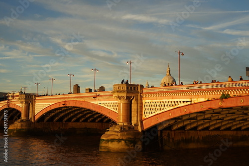 Photo sunset over Blackfriers Bridge, London