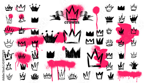 Recess Fitting Graffiti Mega Set of Crown logo graffiti icon. Black elements Freehand drawing. Vector illustration. Isolated on white background.