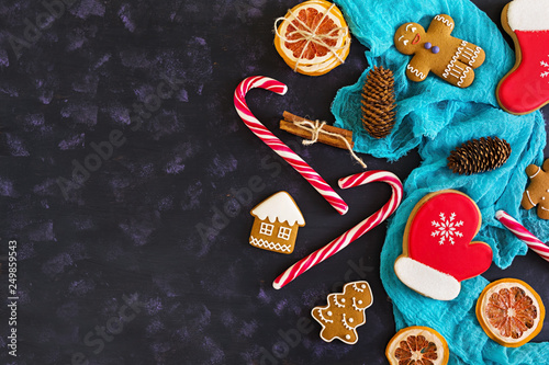 Fototapety, obrazy: Christmas sweets, ginger cookies on wooden background. Christmas background