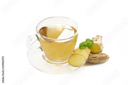 Fototapeta Herbata imbirowa na białym tle obraz