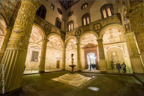 Fotografie, Obraz  Italia, Toscana, Firenze, il cortile di Palazzo Vecchio