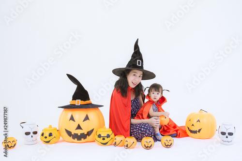 Mother and girl dress up in halloween theme © Voradech Triniti