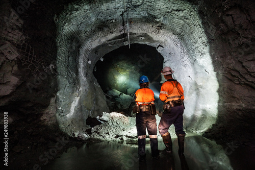 Obraz na plátně Miners underground at a copper mine in NSW, Australia