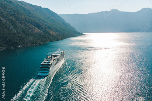 Fotografering aerial view of cruise liner in sea bay