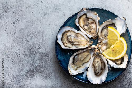 Fresh opened oysters Slika na platnu
