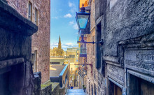 Alley In The Old Town Of Edinb...