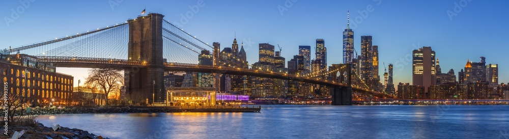 Fototapety, obrazy: Sunset at Dumbo Brooklyn Bridge Park.