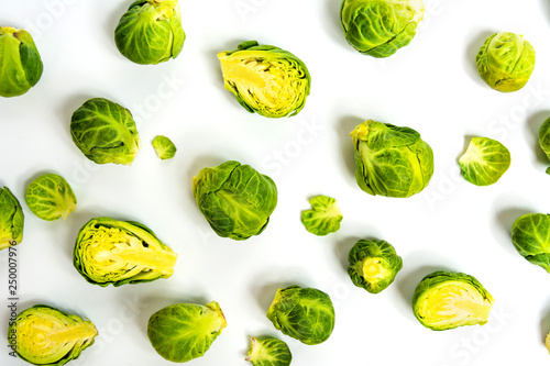 Cadres-photo bureau Bruxelles Brussels sprout vegetables on white background