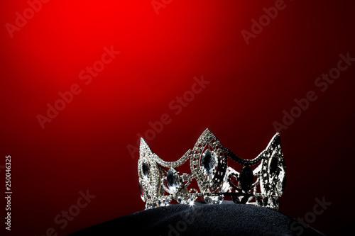 Fotografija  Silver Diamond Crown of Miss Pageant Beauty Universe World Contest sparkle light