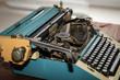 Deatil einer alten mechanischen Schreibmaschine