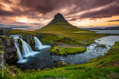Poster Zalm Iceland waterfall and famous mountain. Kirkjufellsfoss and Kirkjufell in northern Iceland nature landscape.