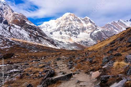 Foto  Panorama of Moditse peak, also called Annapurna South - view from Annapurna Base Camp in Nepal Himalaya