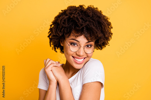 Photo  Close-up portrait of her she nice cute charming attractive beautiful cheerful pl