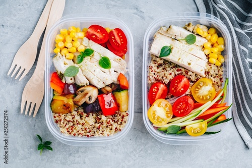 Stampa su Tela Meal prep l containers with quinoa, grilled and fresh vegetables and chicken