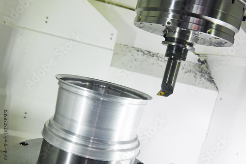 Pinturas sobre lienzo  axial cutting tool mill at metal machining working