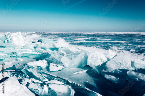 Foto op Aluminium Poolcirkel Spectacular winter landscape.