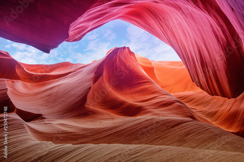 Autocollant pour porte Antilope Scenic abstract canon Antelope with beautiful structrures and tones, Arizona, USA