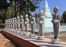Statues Au Cambodge