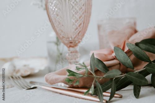 Fotografía  Rustic table settings pastel tones. Olive branch