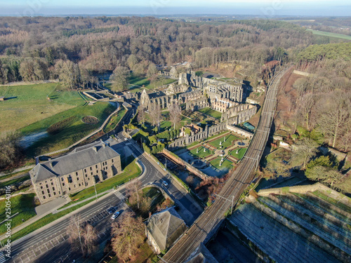Photo  Aerial view of Villers Abbey ruins, an ancient Cistercian abbey located near the
