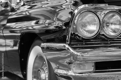 Tuinposter Oude auto s Black Classic Car