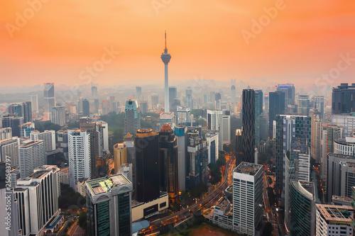 Photo City of Kuala Lumpur, Malaysia at sunset
