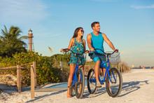 Florida Beach Vacation Couple ...