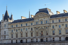 Official Building Of Cour De C...