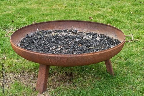 фотографія  Feuerschale aus Eisen