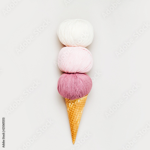 Canvas Prints Textures Ice cream cone with ball of yarn