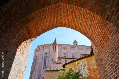 Photo ALBI, FRANCE -View of the Palais de la Berbie, a UNESCO World Heritage List brick fortress home to the Toulouse-Lautrec museum, located in Albi, Southwestern France