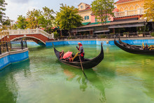 Hua Hin, Thailand - March 16, 2017: Beautiful Gondola Boat And Bridge In Venice Style Of Venezia, The Newest Theme Shopping And Attraction Village In Hua Hin. Thailand.