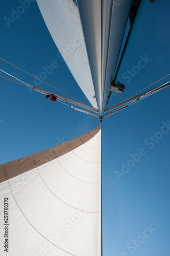 Obraz na plátně Sail, mainmast and sky