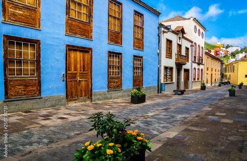 Fotografia  City street view in La Laguna town on Tenerife, Canary Islands