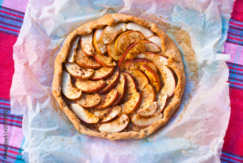 Photo  Homemade galleta with apples