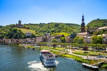 Blick Auf Die Stadt Cochem An Der Mosel, Deutschland
