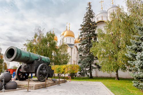 Fotografie, Obraz  Moscow, Russia - September 30, 2011: Tsar Cannon view in front of Patriarch's Pa