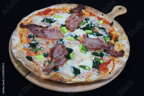 Fotomural Thin crust florentine pizza with bacon and spinach